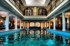 Swimming pool in Terelj Hotel