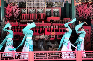 Dancing show at the Summer Palace - Beijing