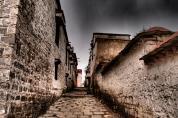 Alley - Sera Monastery