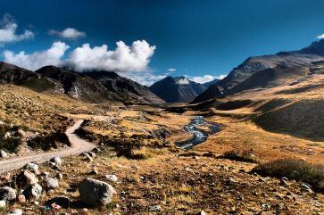 Last valley to Darchen